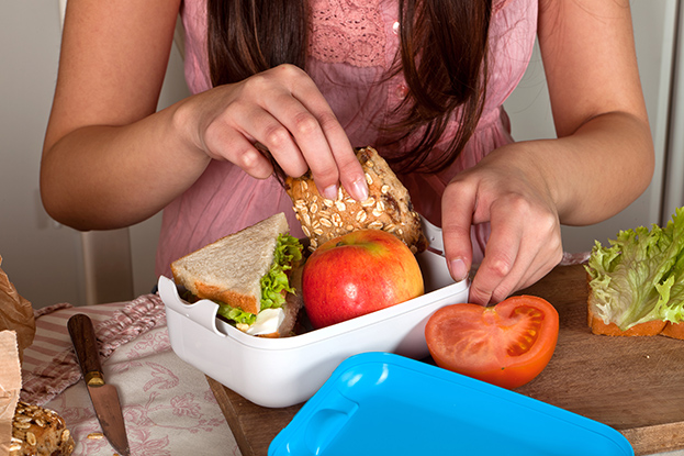 finance tips for post-secondary students - pack your lunch